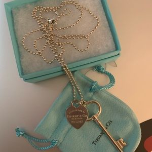 Return To Tiffany Necklace with key and heart